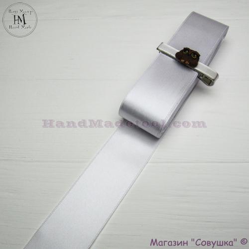 Double sides satin ribbon 4 cm width, colour 01-white.