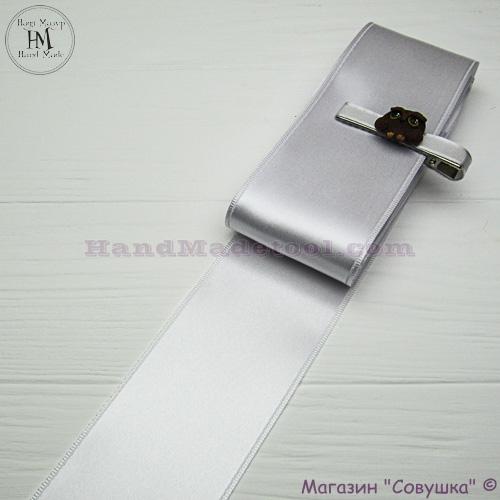 Double sides satin ribbon 6 cm width, colour 01-white.