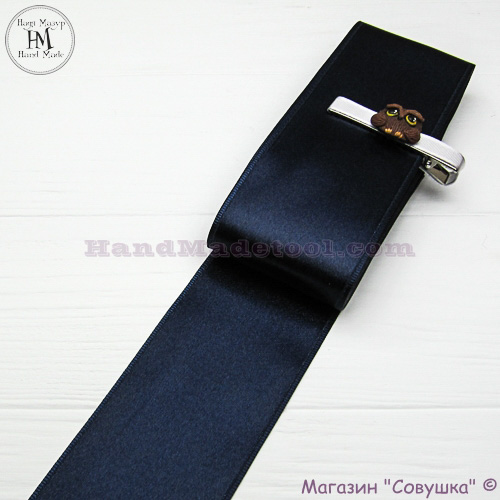Double sides satin ribbon 6 cm width, colour 98-navy blue.