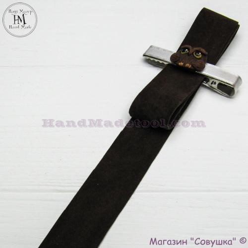 Faux suede ribbon 2,5 cm width, colour 11-brown.