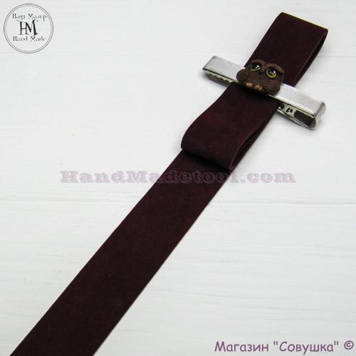 Faux suede ribbon 2,5 cm width, colour 56-bordeaux.