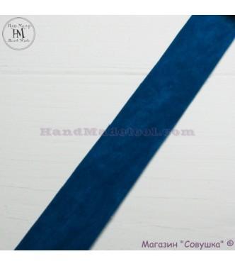 Faux suede ribbon 2,5 cm width, colour 66-dark mint.