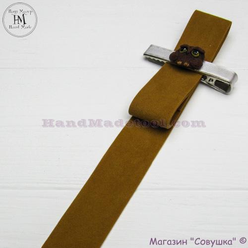 Faux suede ribbon 2,5 cm width, colour 87-mustard.